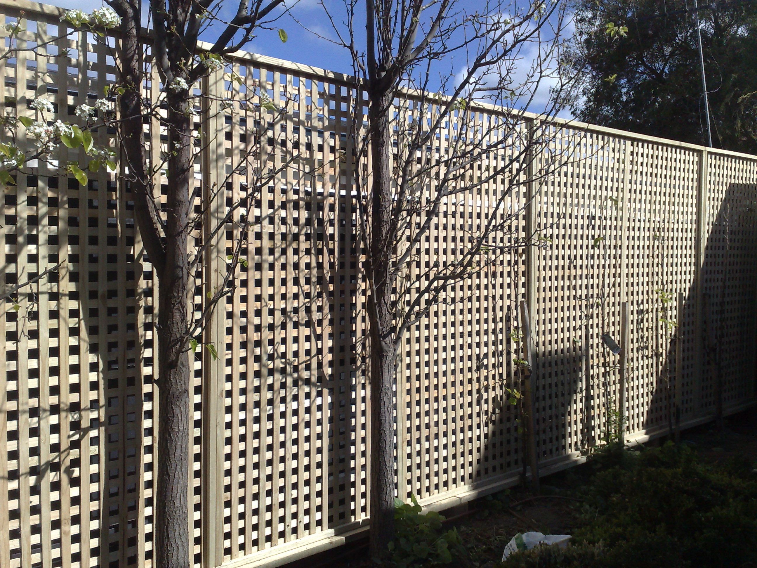 Pdf lattice screen plans free for Lattice screen fence